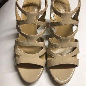 Naturalizer Dianna patent heel 8